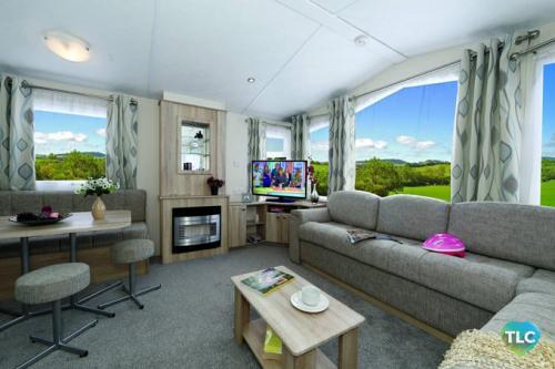 cypress-19-lounge